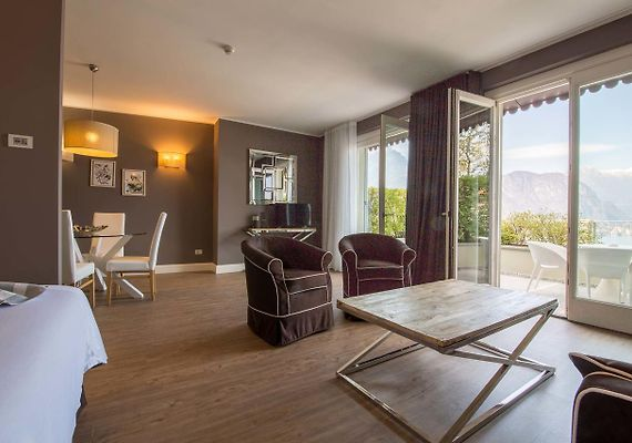 BORGO LE TERRAZZE APARTHOTEL, BELLAGIO - Hotelscomolake.com - Rates ...